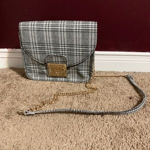 Plaid Purse With Gold Chain Strap